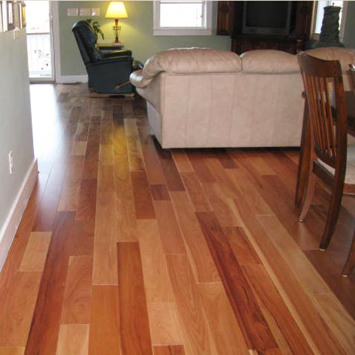 Amendoim Clear Prefinished Flooring